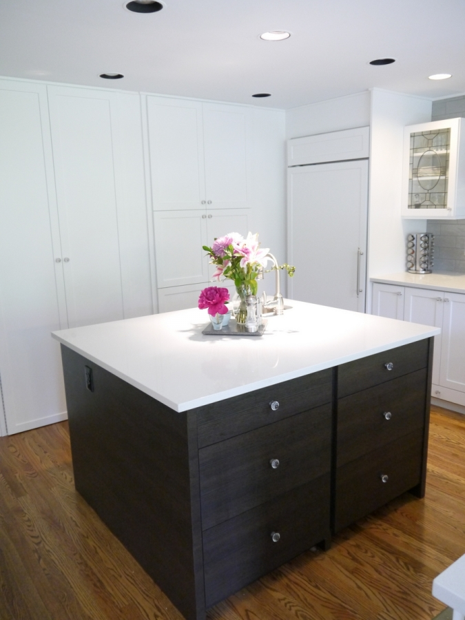 Mercer island traditional kitchen cabinet reface for Refacing kitchen cabinets materials