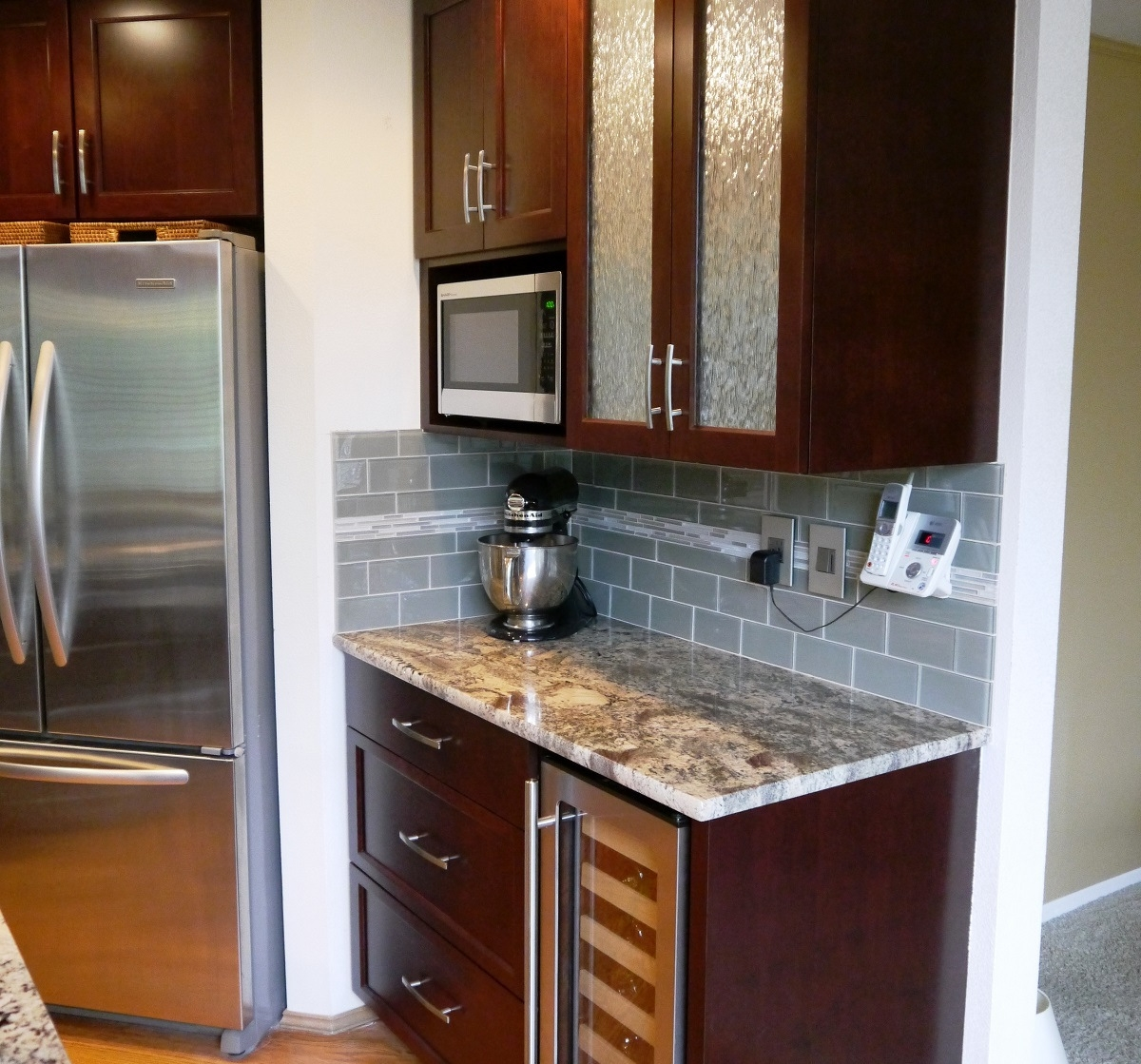Kitchen Backsplash Cherry Cabinets: Sammamish Traditional Kitchen Reface