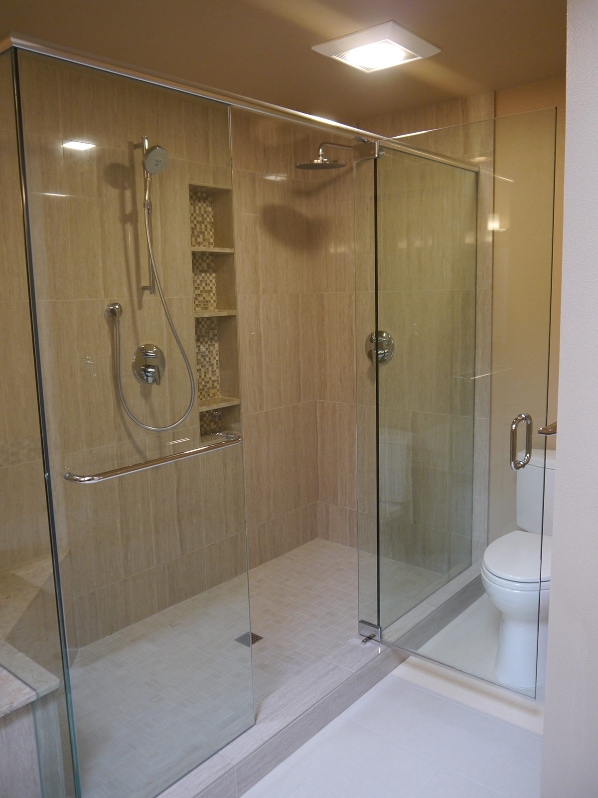 Shower doors fixtures for Bathroom displays