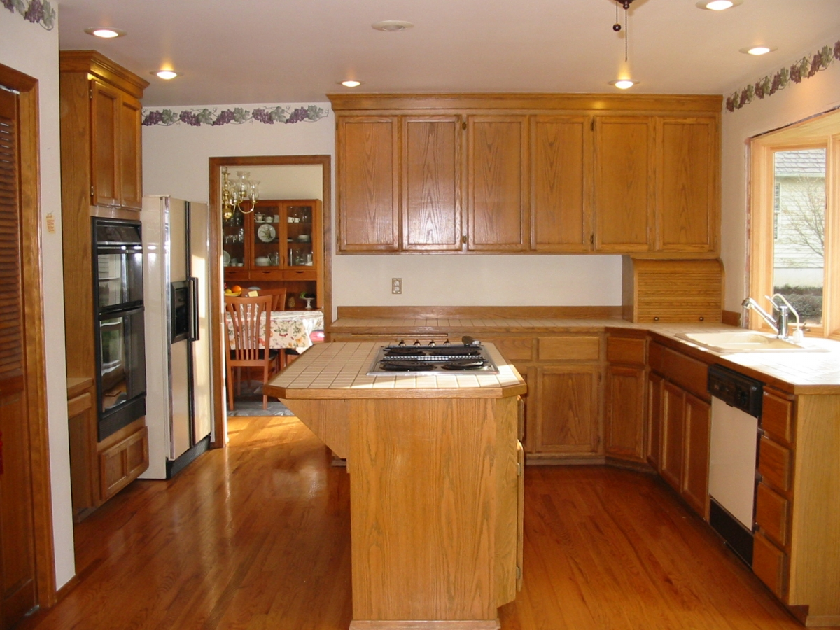 Diy kitchen cabinet refacing refacing kitchen cabinets for Home depot woodinville