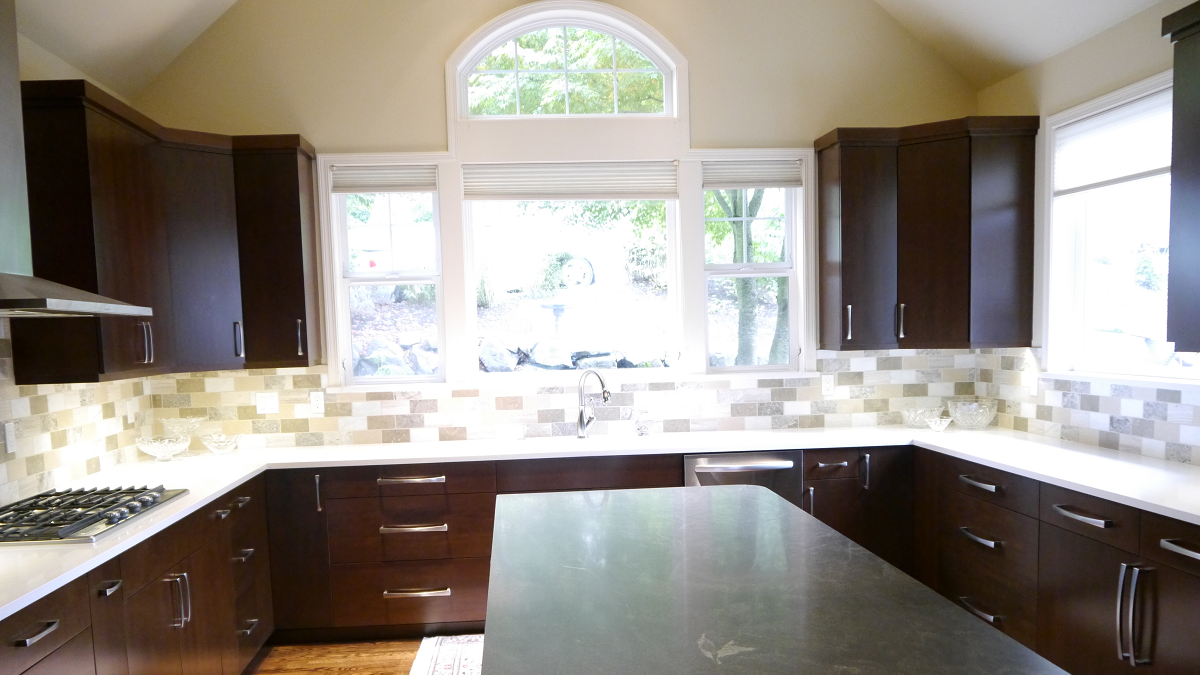Sammamish Transitional Kitchen Remodel in Maple on Maple Kitchen Cabinets With Quartz Countertops  id=50963