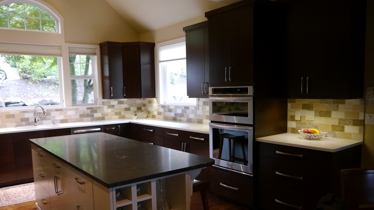 Astonishing Sammamish Transitional Kitchen Remodel In Maple Home Interior And Landscaping Elinuenasavecom